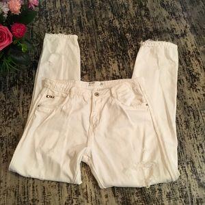 💥❗️⬇️ Zara TRF White Destroyed Boyfriend Jeans, 4
